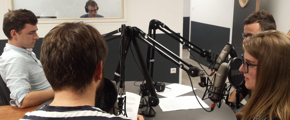 Du matériel pro : un studio radio pour les élèves journalistes